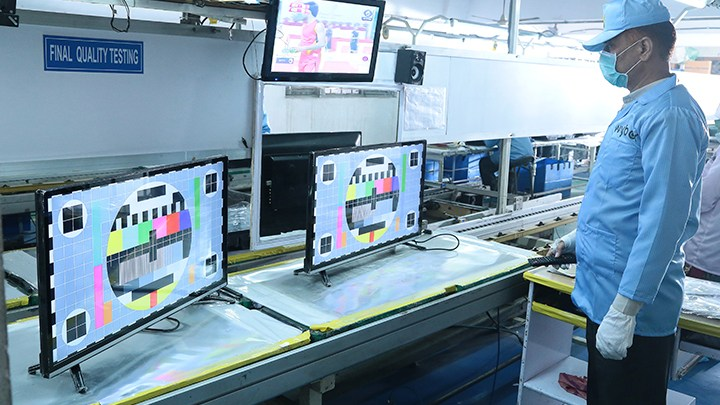 TV Assembly line Conveyor